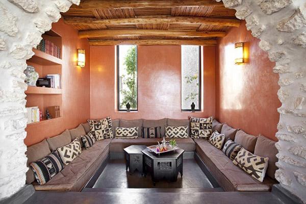 Le douar des arganiers riad de luxe marrakech maroc for Salle a manger mobilia maroc