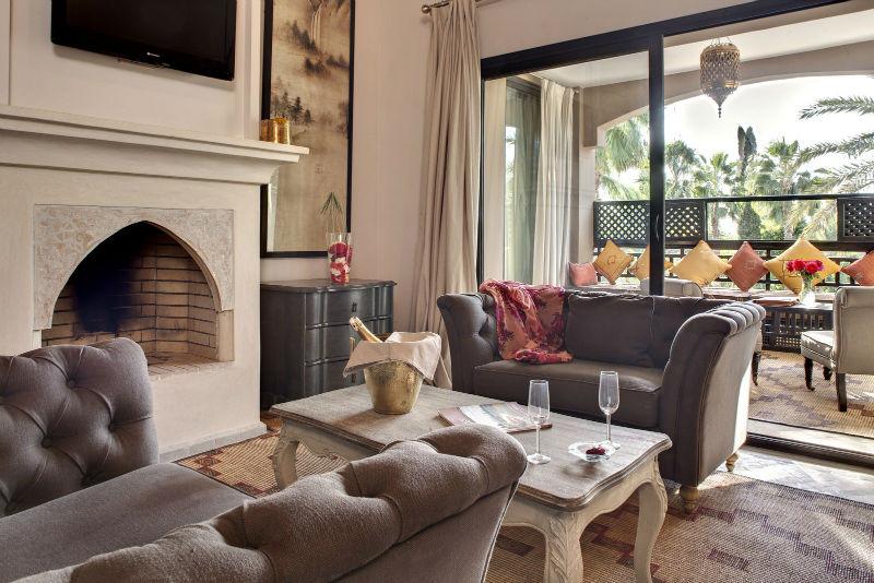 Lounge Suite 8