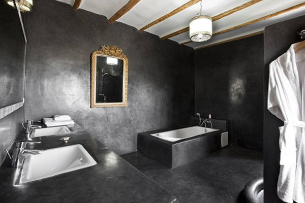Grey Suite Bathroom