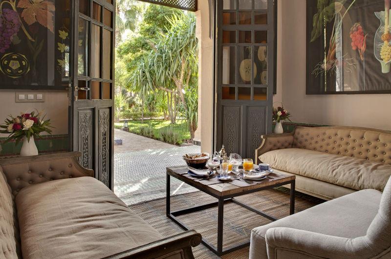 Lounge Suite 12