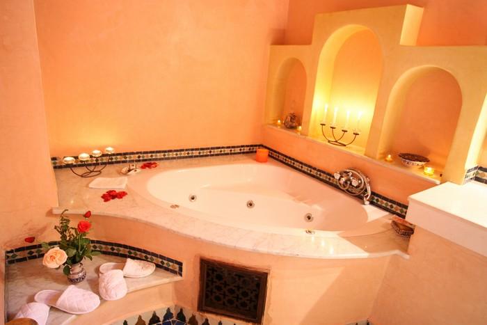 Dar al andalous riad de luxe marrakech maroc for Salle de bain hotel de luxe