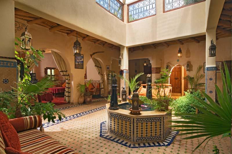 Dar imlil riad de luxe marrakech maroc r servez dar - Maison marocaine avec patio ...