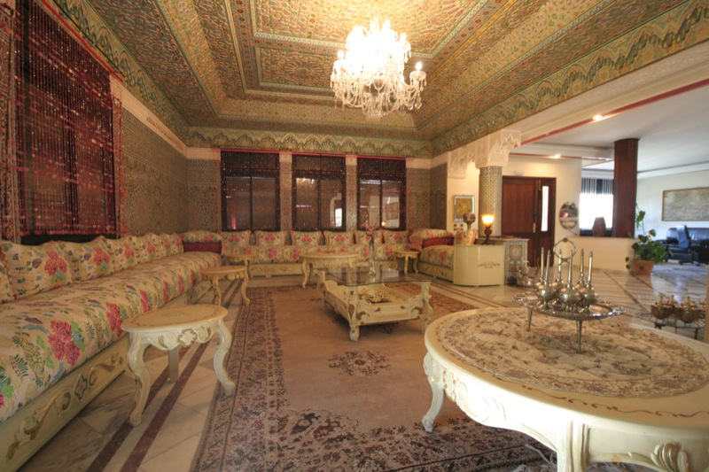 Dar nilam riad de luxe marrakech maroc r servez dar nilam aujourd 39 hui avec hip marrakech for Salon moderne deluxe