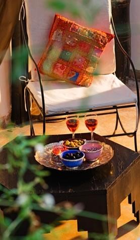Une verre de vin sur la terrasse