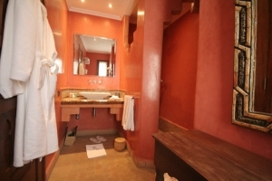 Soussia Suite Bathroom
