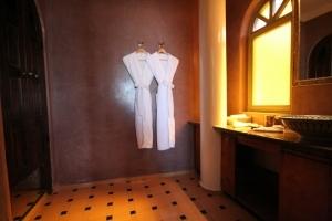 Akoya Bathroom
