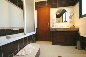 Alia Bathroom