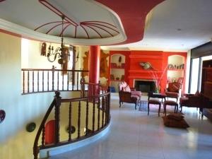 1st Floor Salon