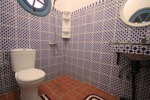 Chtoukia Bathroom